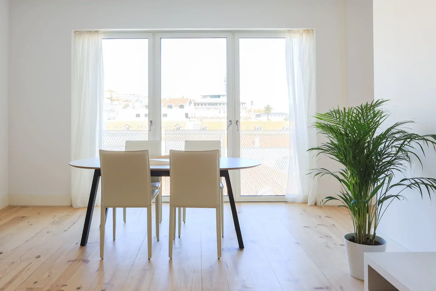 Modern Time Out Market Apartment River View3